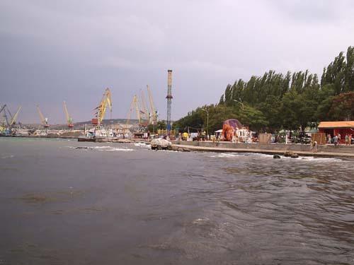 В порту Феодосии нашли финансовые нарушения