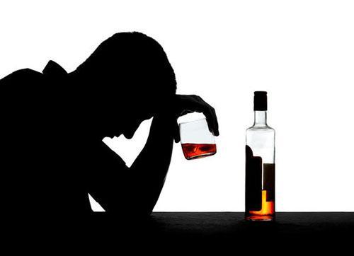 Американские ученые пришли к выводу, что алкоголь оказывает крайне негативное влияние на кратковременную память человека.