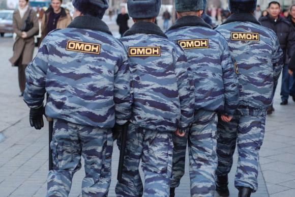 Власти Крыма привлекут ОМОН для борьбы снесанкционированными торговцами