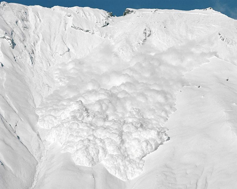 Вгорах Сочи сохраняется опасность схода лавин