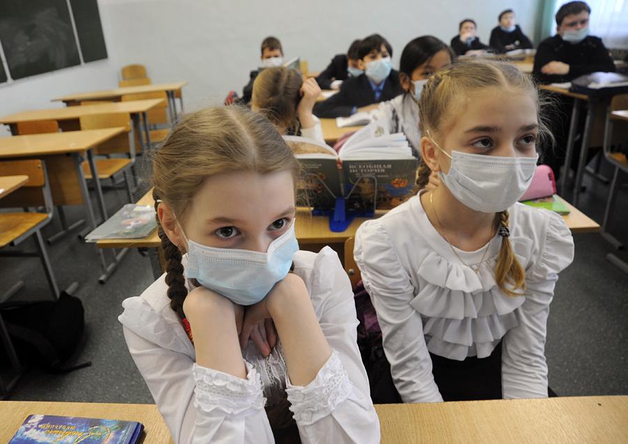 Межрегиональным управлением Роспотребнадзора по Республике Крым и г. Севастополю проводится еженедельный оперативный контроль заболеваемости острыми респираторными вирусными инфекциями (ОРВИ) населения полуострова.