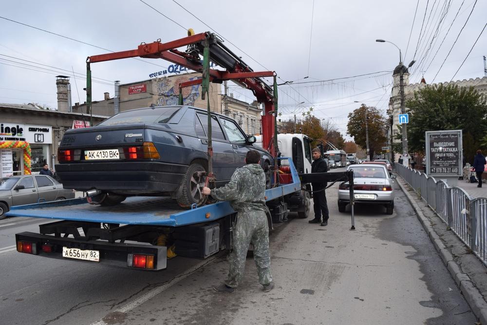 Эвакуаторы Симферополя вышли наохоту