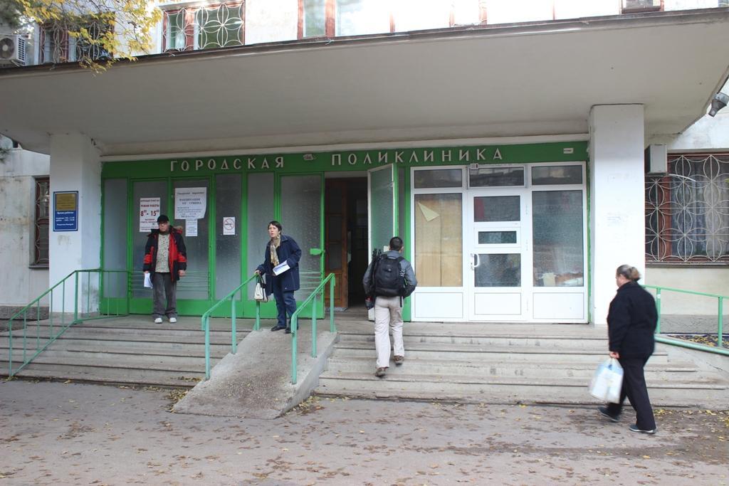 Поликлинические организации «Феодосийского медицинского центра»: городская поликлиника, детская поликлиника, приморская поликлиника, орджоникидзевская, насыпновская, коктебельская амбулатории –  организовывают работу с 9 до 14 часов 2,3,4,5,6,8 января 2018 года.