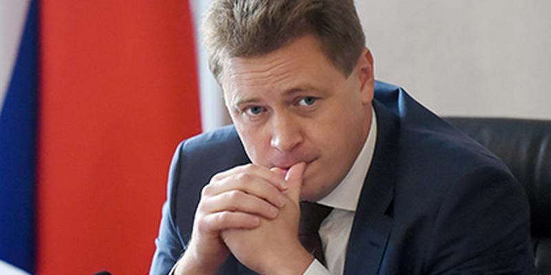 Временно исполняющий обязанности губернатора Севастополя Дмитрий Овсянников обнаружил многочисленные недостатки в работе городской поликлиники №3, когда посетил ее в ходе внезапного рейда.