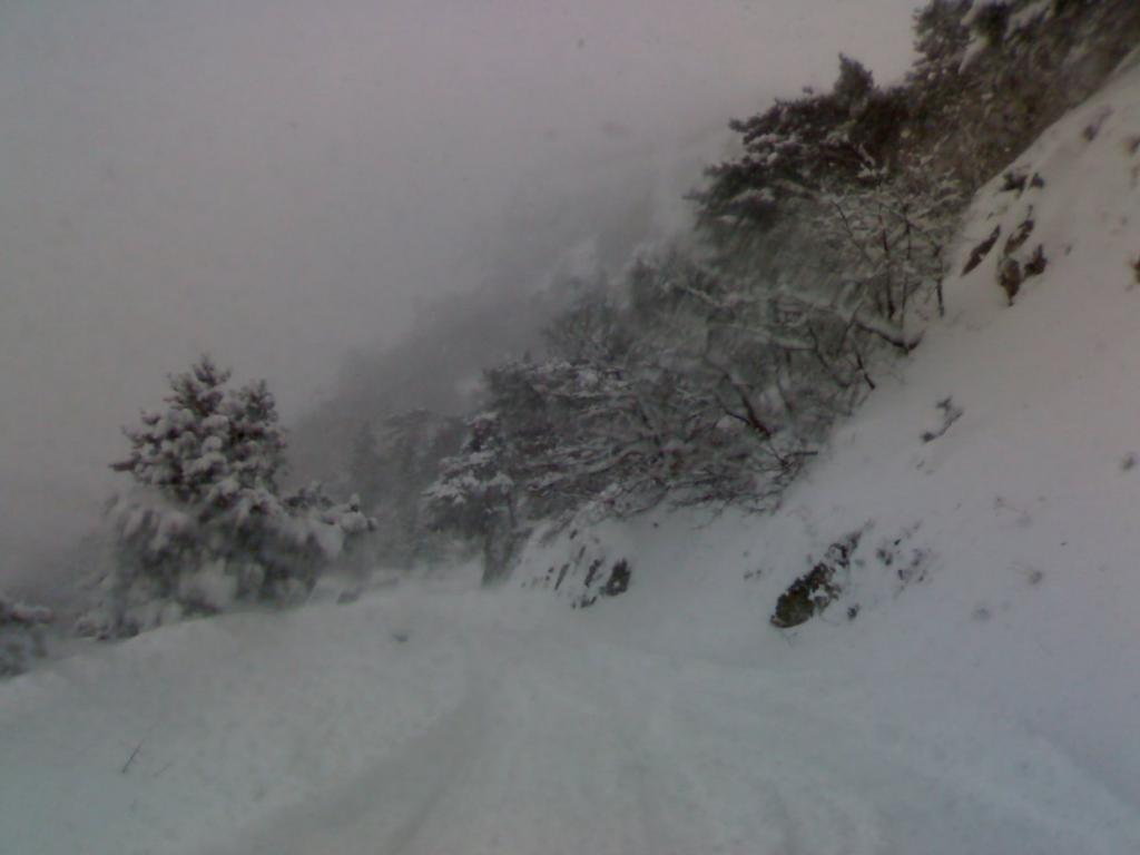 Снег на перевале в Крыму. КрымФАН.