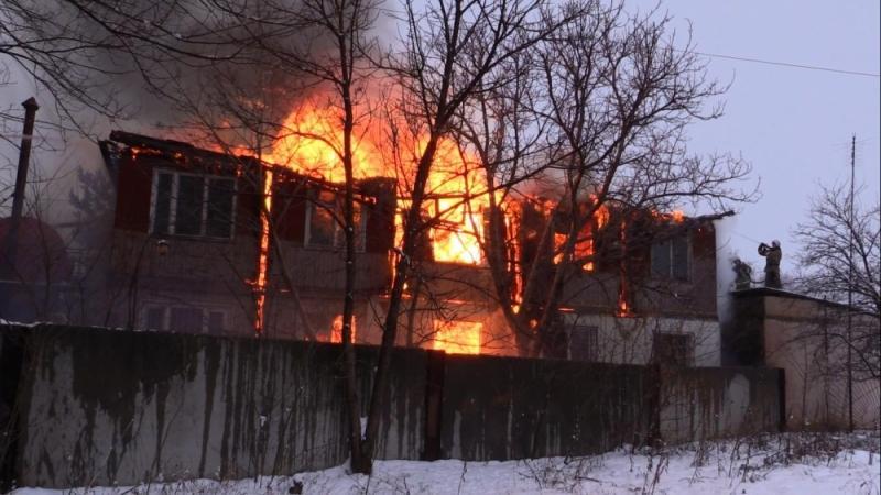 Под Симферополем сгорело 250 «квадратов» офиса, жертв нет