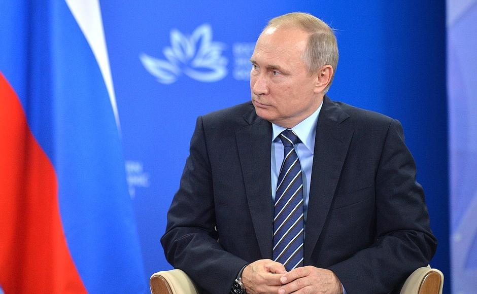 Путин: Оклады крымчан недолжны быть ниже средних зарплат постране