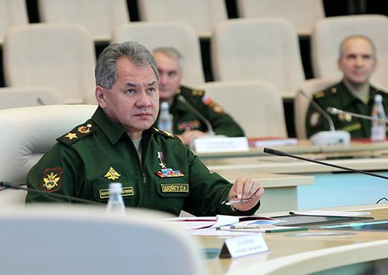 Истребители Су-27 перехватили ракетоносцы «противника» научениях вКрыму