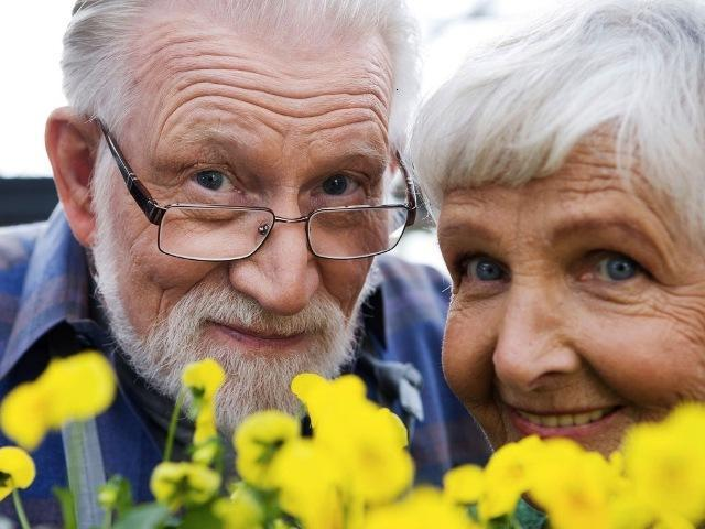 Совсем не обязательно ложиться под нож пластического хирурга и голодать, дабы вернуть свою молодость. В данной статье раскрываются рецепты молодости, которые помогут Вам «скинуть груз прожитых лет» и стать долгожителем.