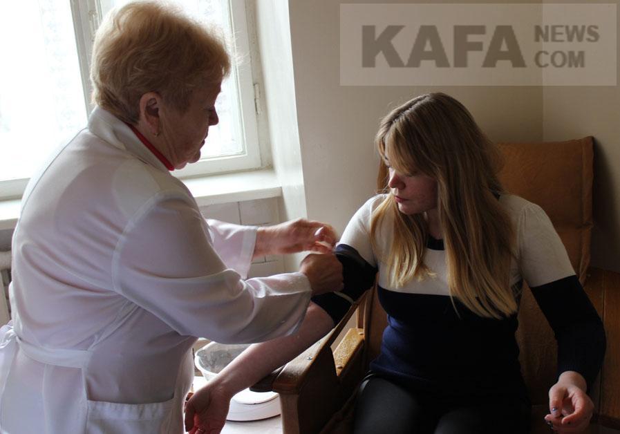 В редакцию газеты «Кафа» обратились доноры крови с жалобой на то, что пункт переливания крови в Феодосии закрывается. Как оказалось, это действительно так.