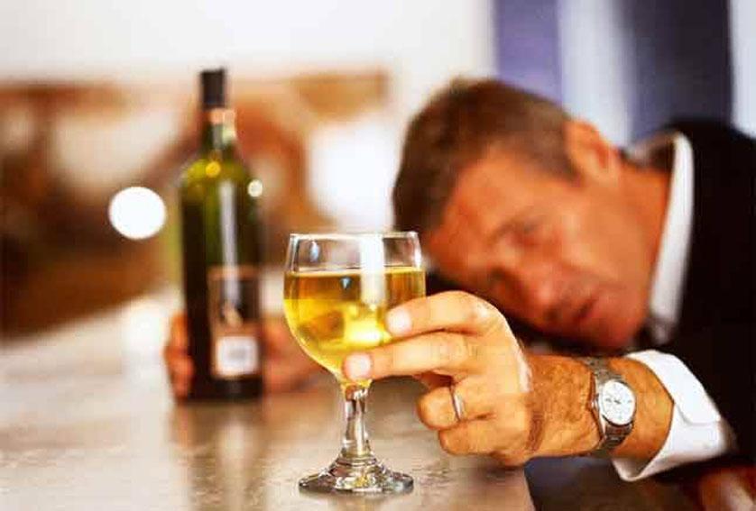 Ученые нашли 930 новых генов, связанных с алкоголизмом. Сотрудники Университета Пердью в течение нескольких десятилетий разводили крыс с алкогольной зависимостью. Это доказывает, что на него, как и на рост человека, влияет не только употребление алкогольных напитков, но и генетика, а также окружающая обстановка.