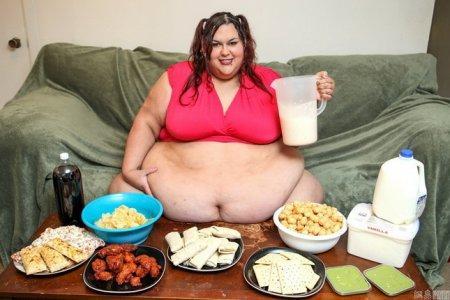 Специалисты доказали, что микробы расщепляют жиры и ускоряют процесс их всасывания в организм.