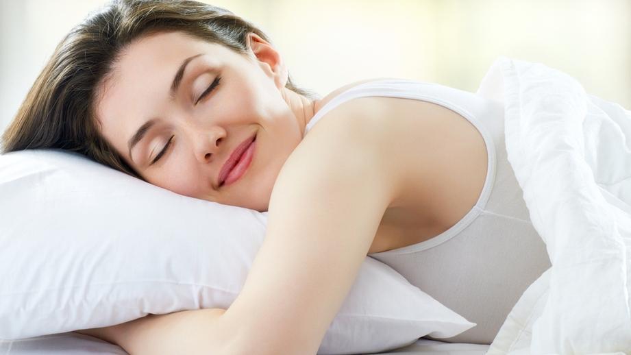 Учёные пояснили, почему спать меньше шести часов в сутки –...