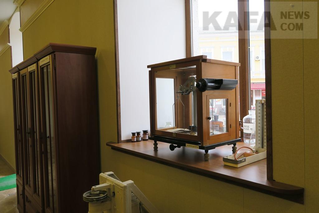 Винтажная аптека-музей, открывшаяся после длительного перерыва, вновь распахнула свои двери для феодосийцев и гостей города.