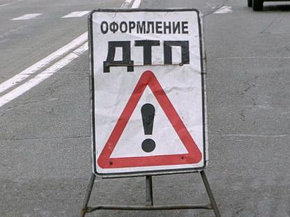 ВКерчи полицейский на БМВ протаранил «Ладу»: пострадала девушка