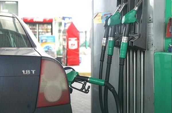 ВКрыму назвали причины завышенных цен набензин
