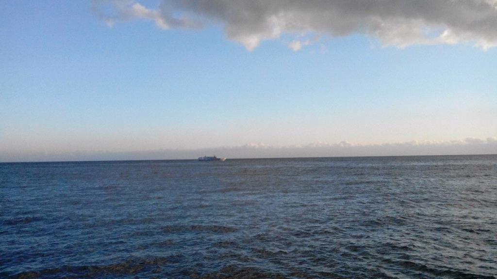 ВКрыму перевернулась лодка срыбаками: один умер, 2-ой пропал
