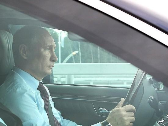 Аксёнов рассчитывает, что первым поКрымскому мосту проедет президентРФ