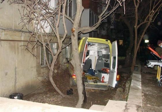 ВСевастополе два ДТП: «скорая» врезалась вдом, иностранная машина - встолб