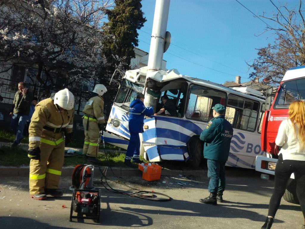 Стали известны детали ДТП сучастием троллейбуса вСевастополе