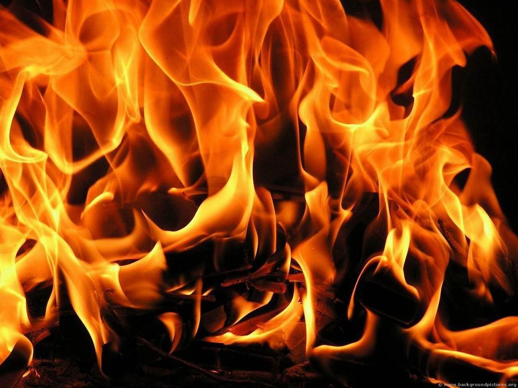 ВСимферополе ночью сгорели три автомобиля