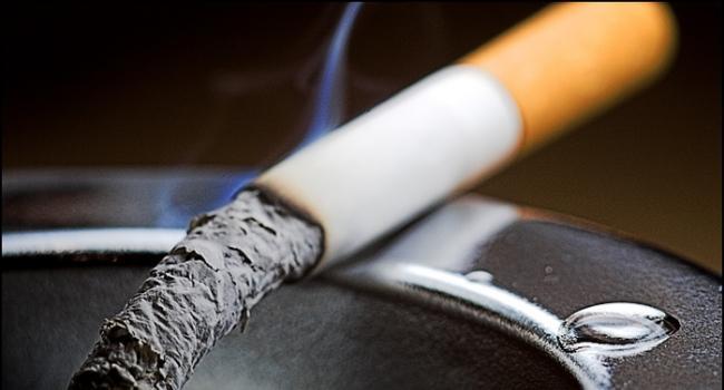 Курение наносит мировой экономике ущерб в триллион долларов в год. Об этом говорится в опубликованном 10 января совместном докладе Всемирной организации здравоохранения (ВОЗ) и Национального института рака США.