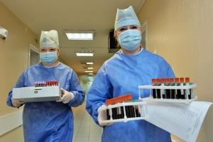 Число заболевших коронавирусом в Крыму держится на прежнем уровне