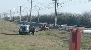 ДТП в Крыму: столкнулись ВАЗ и электричка, пострадал водитель авто