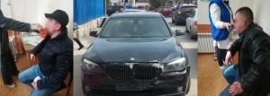В Крыму двое приезжих не заплатили в кафе и сбили автомобилем полицейского