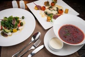 В Крыму обед в кафе в среднем обходится в 505 рублей, только где эти кафе?